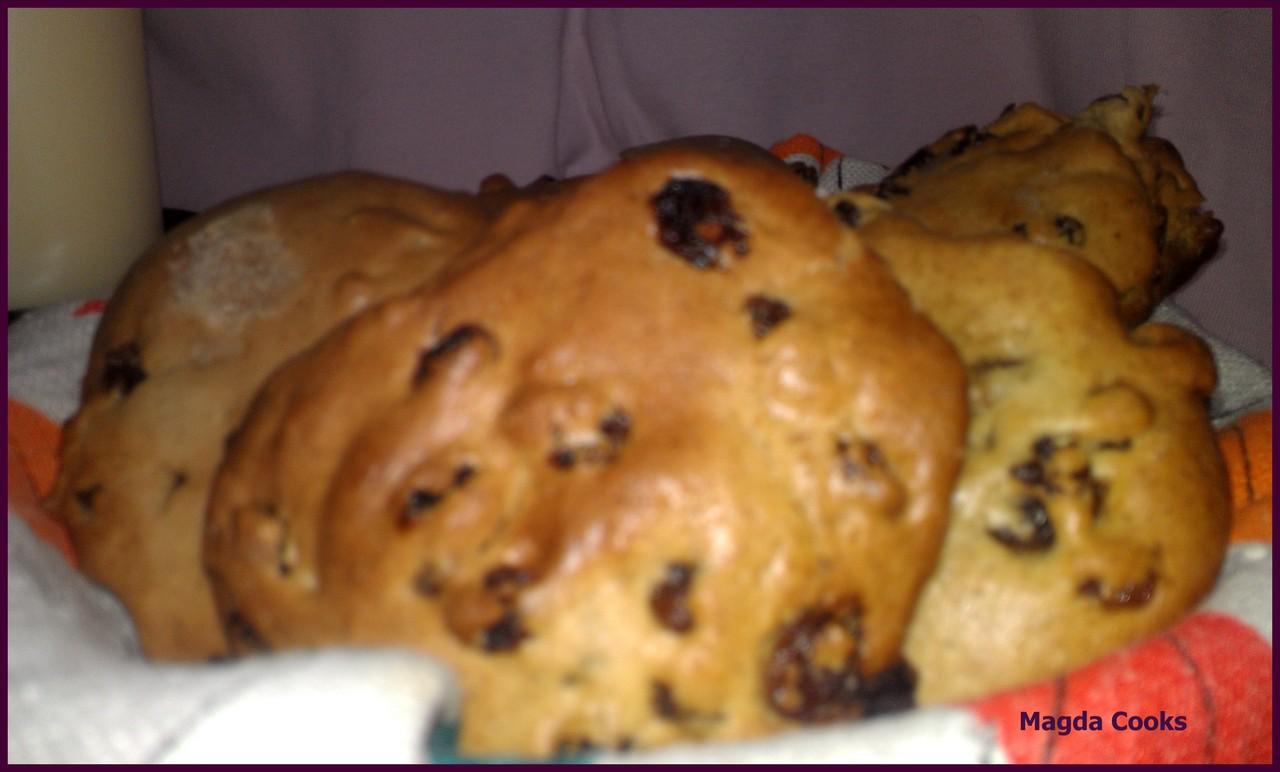 Raisins/Cinnamon Buns